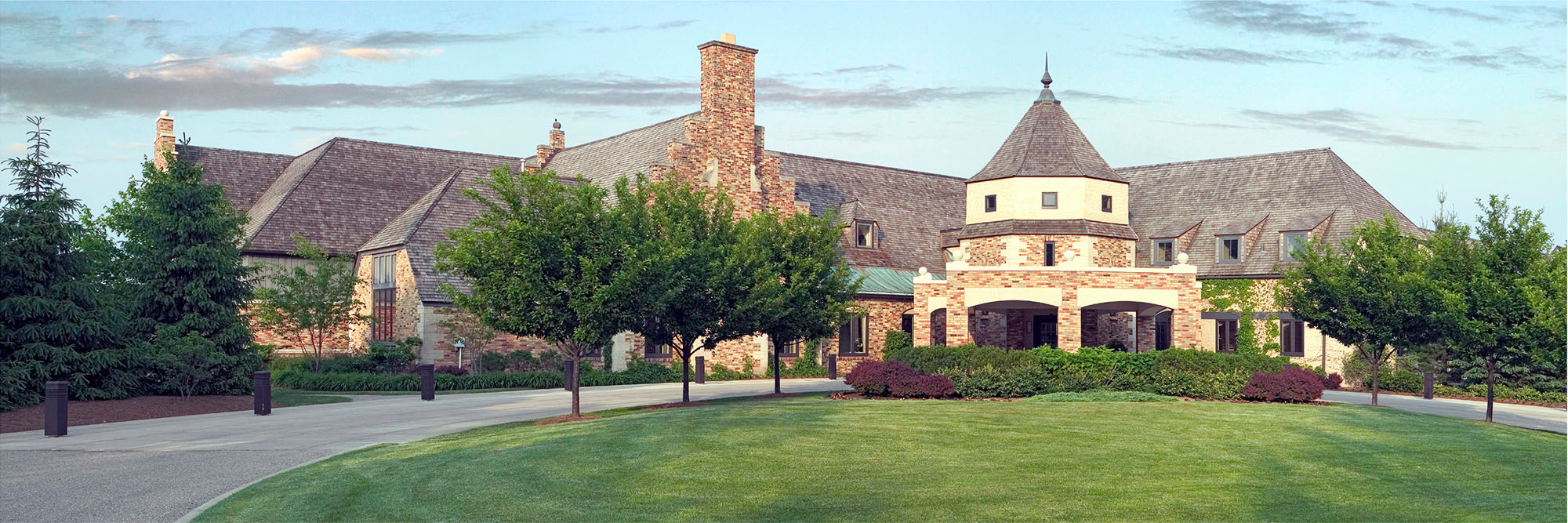 Golf Course Image - Cascade Hills Clubhouse
