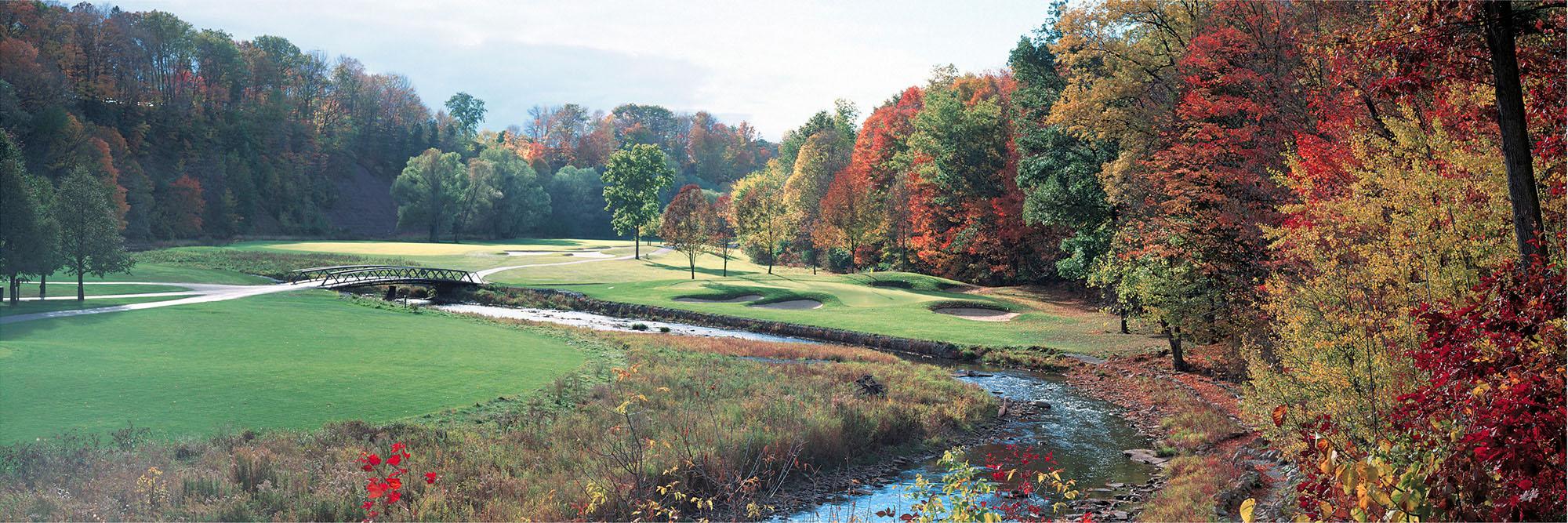 Golf Course Image - Glen Abbey No. 12