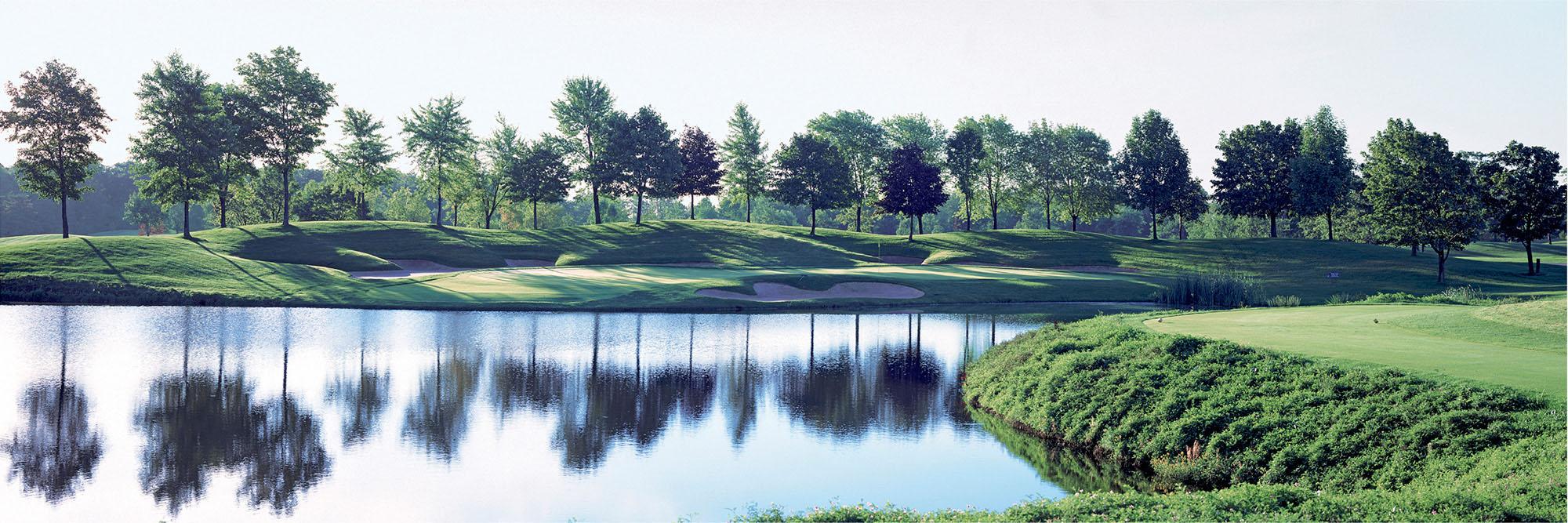 Golf Course Image - Glen Abbey No. 3