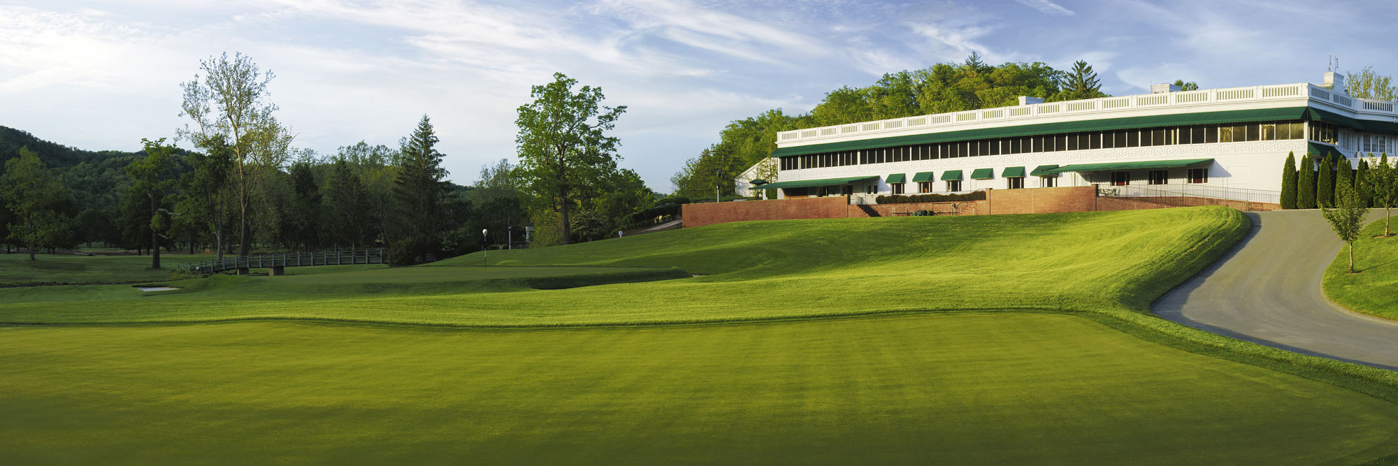 Golf Course Image - The Greenbrier White Course Clubhouse