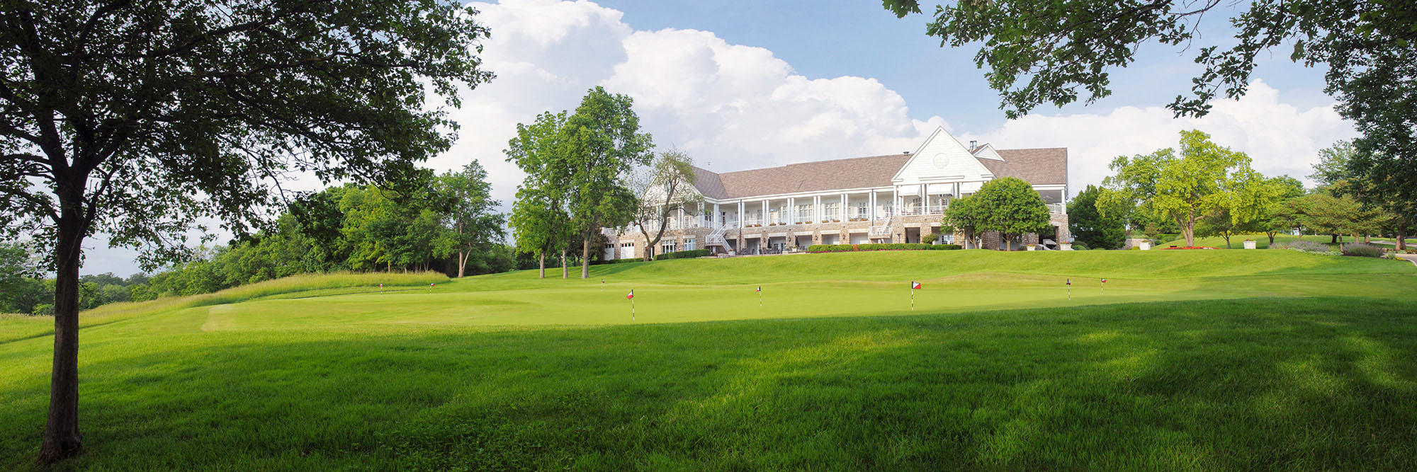 Golf Course Image - Hallbrook Country Club House
