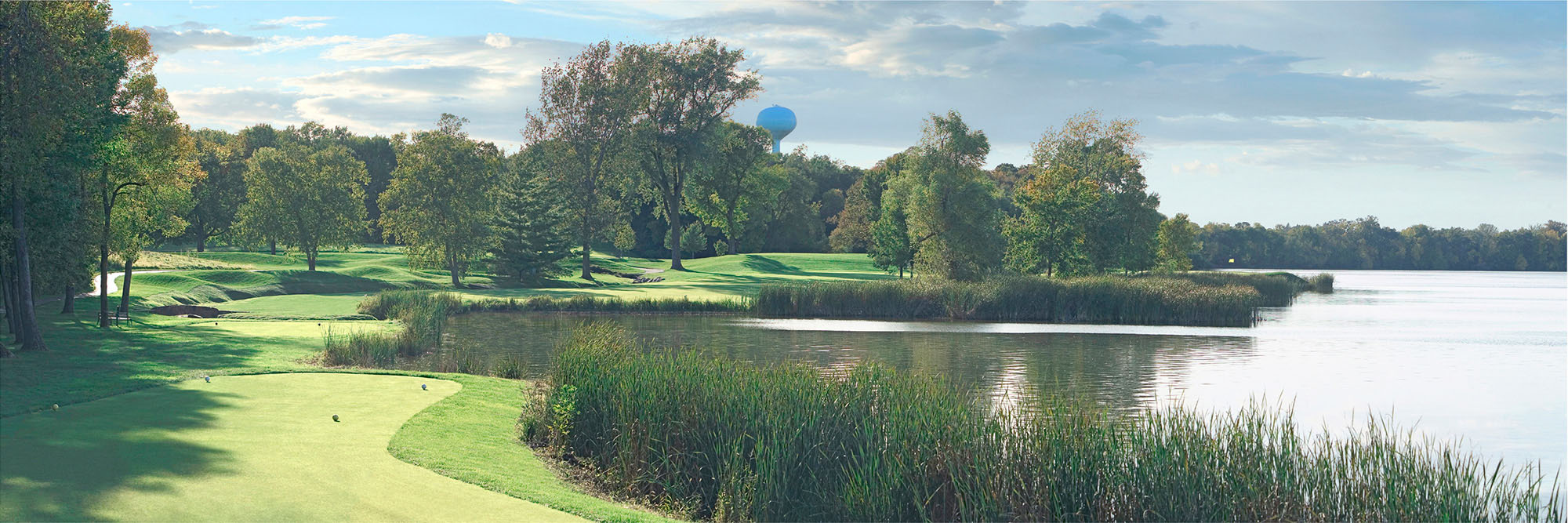 Golf Course Image - Hazeltine National Golf Club No. 16