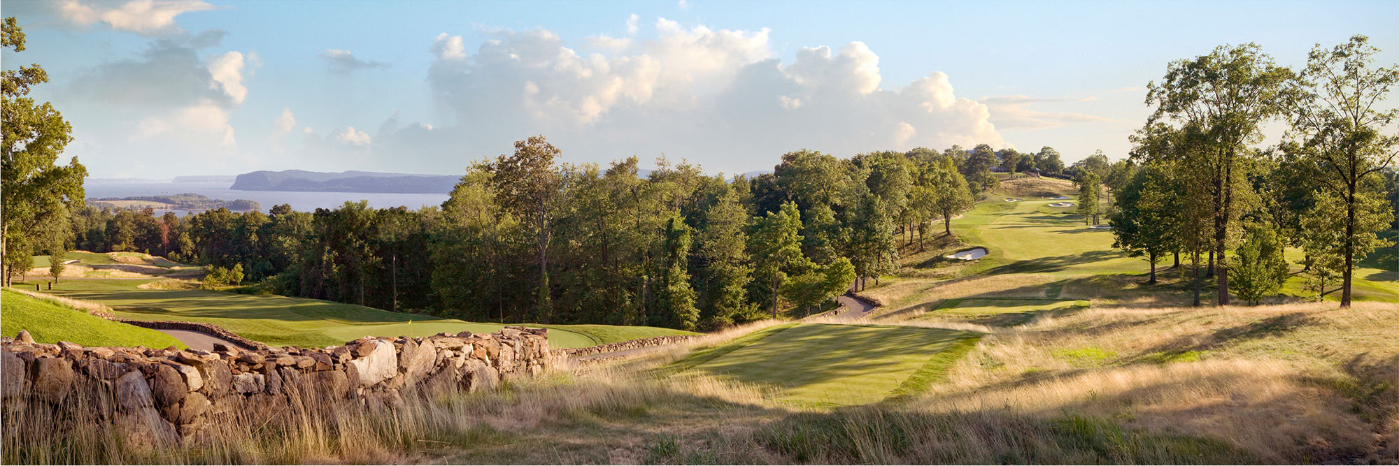 Golf Course Image - Hudson National No. 18