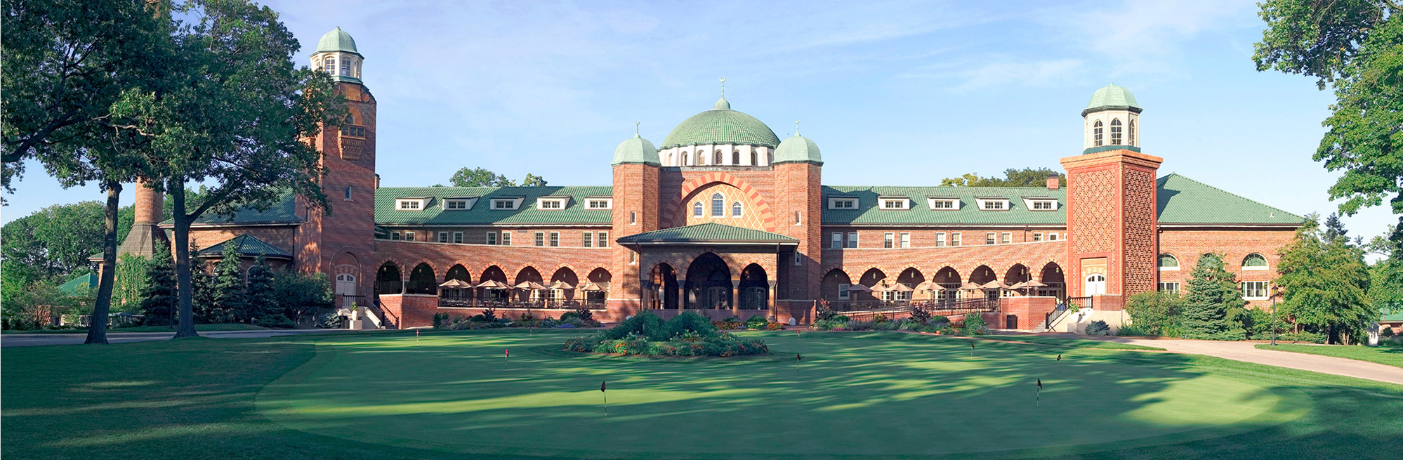 Golf Course Image - Medinah 3 Clubhouse