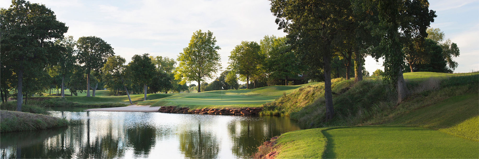 Golf Course Image - Oak Tree National No. 4