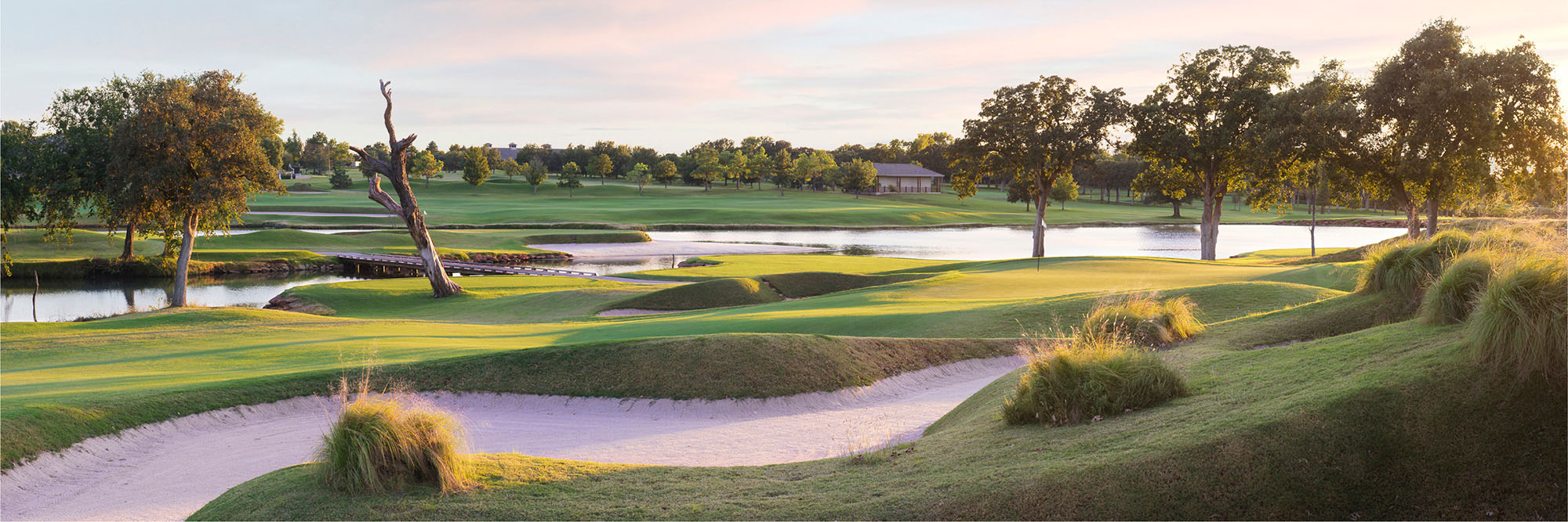 Golf Course Image - Oak Tree National No. 7