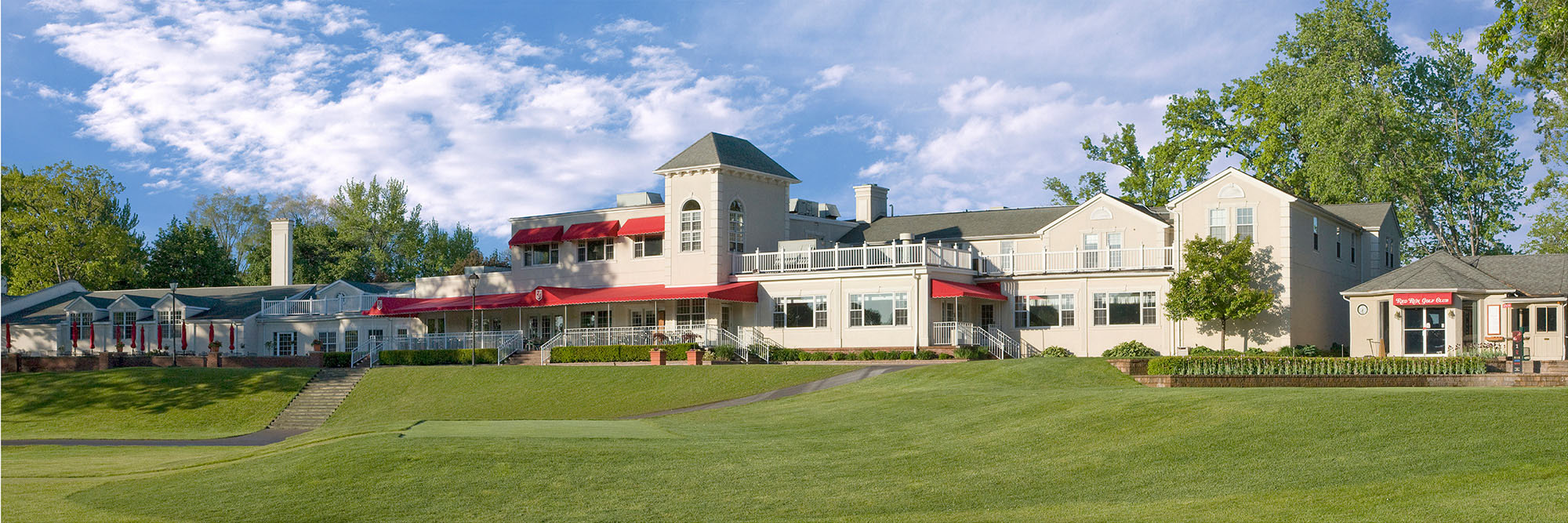 Golf Course Image - Red Run Golf Club Clubhouse