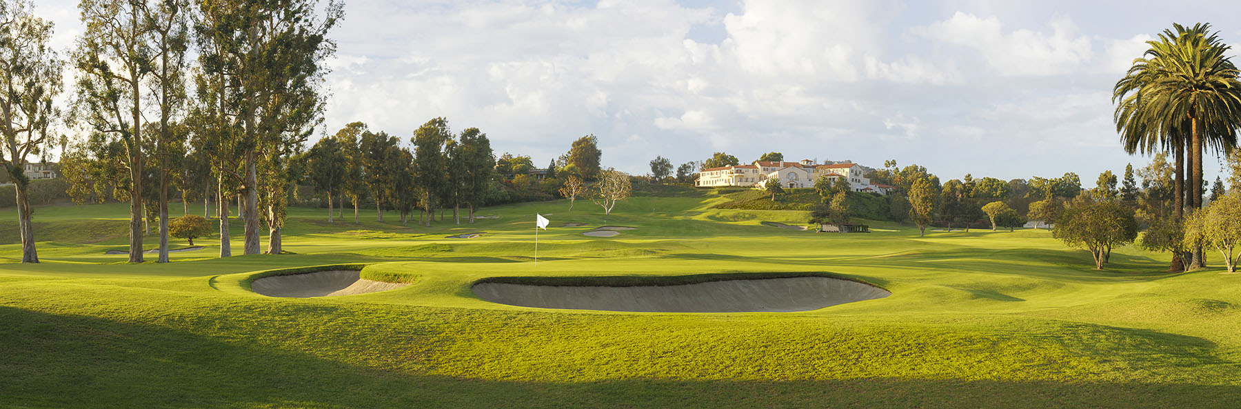 Golf Course Image - Riviera Country Club No. 10