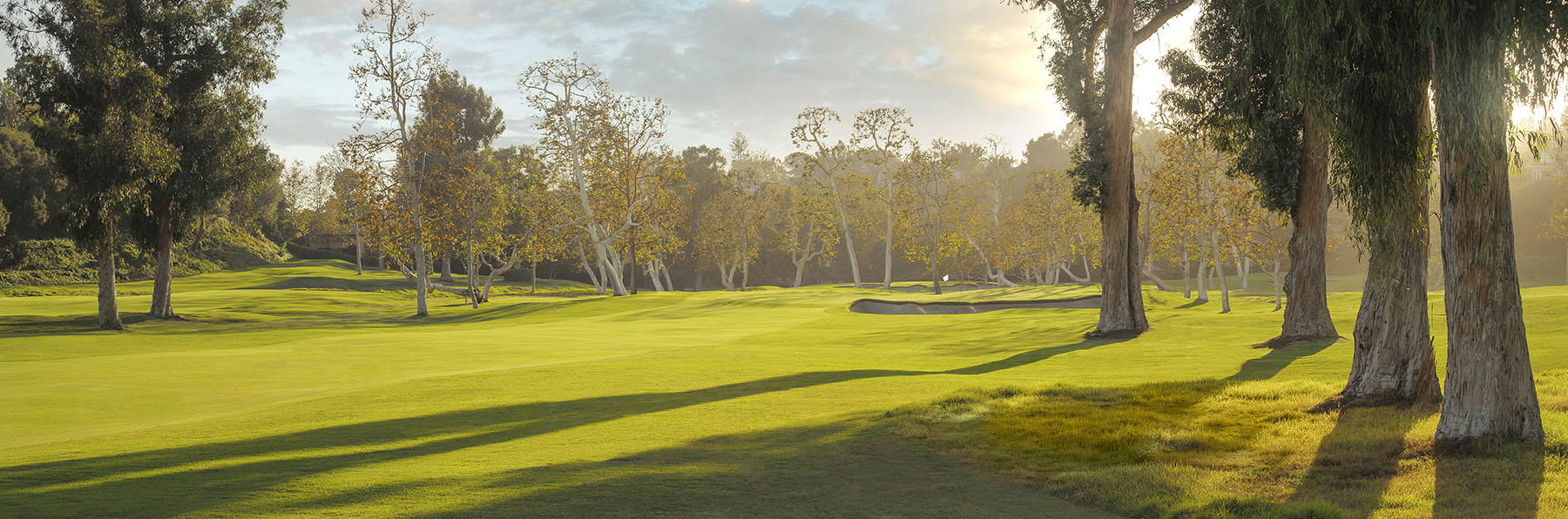 Golf Course Image - Riviera Country Club No. 15