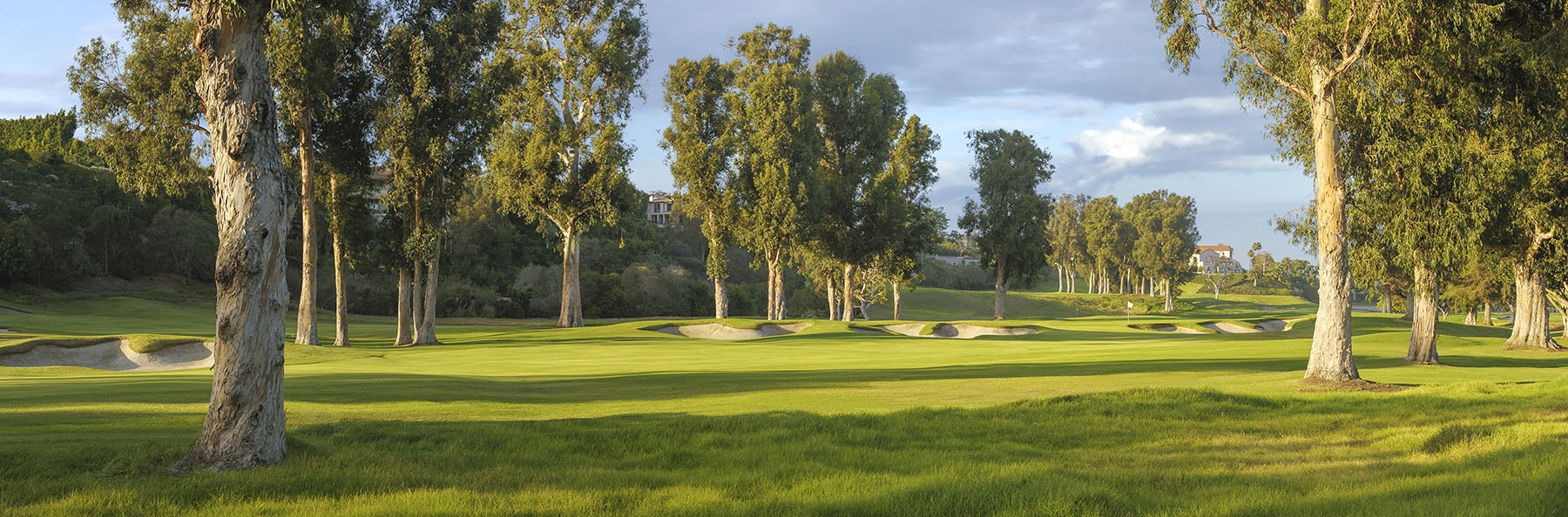 Golf Course Image - Riviera Country Club No. 17