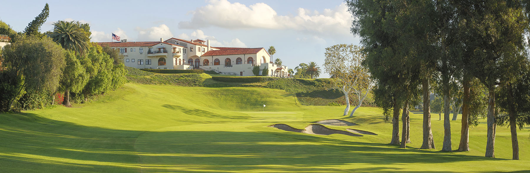 Golf Course Image - Riviera Country Club No. 18