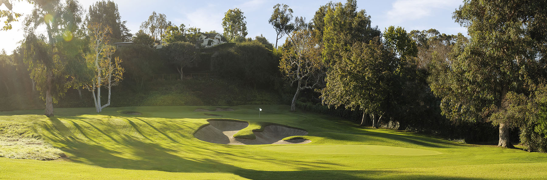 Golf Course Image - Riviera Country Club No. 6